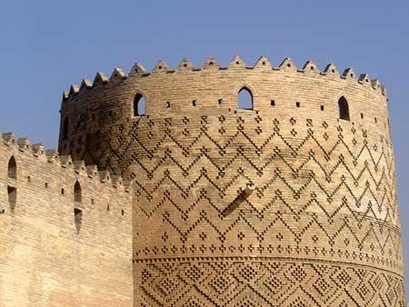 مکانهای تفریحی شهر شیراز,امامزاده شاه چراغ در شیراز