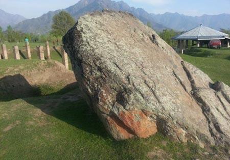 عصر حجر,مکانی به قدمت عصر حجر,برزوهوم