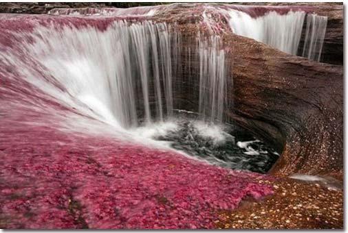 زیباترین دریاچه جهان؛ دریاچه رنگین کمانی!