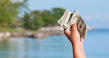چگونه در سفر پول در بیاوریم؟!