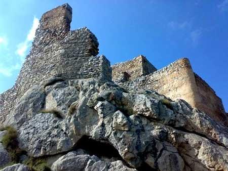 قلعه بابک ، یکی از زیباترین قلعه های ایران