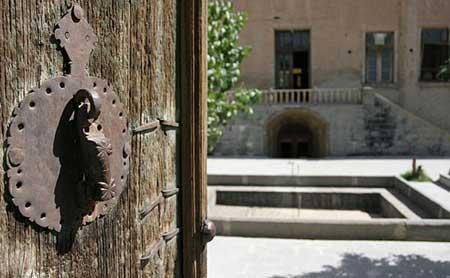 دیدن قلعه وکیل در اراک را از دست ندهید