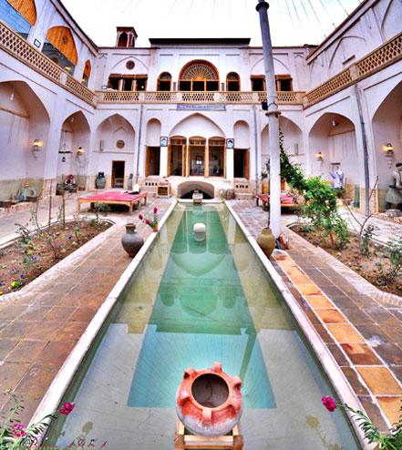 خانه ای قاجاری به نام «خانه تاج» در کاشان