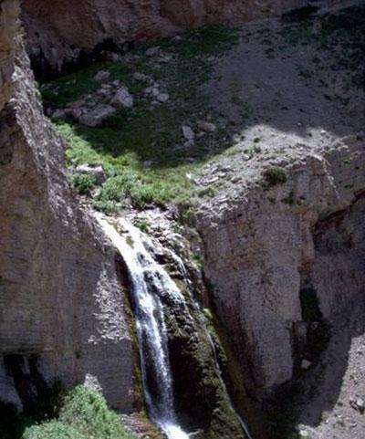 با آبشار بسیار دیدنی نورالی در خراسان رضوی آشنا شوید