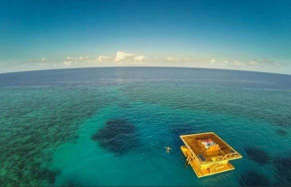 هتلی در تانزانیا که در زیر آب قرار دارد!