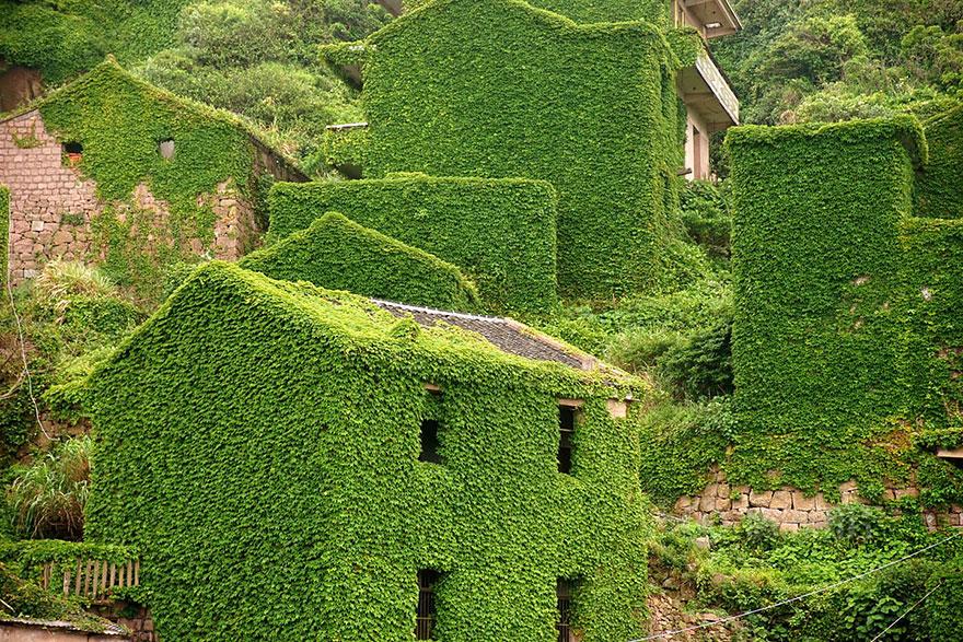 روستایی در چین که با طبیعت ادغام شده است!